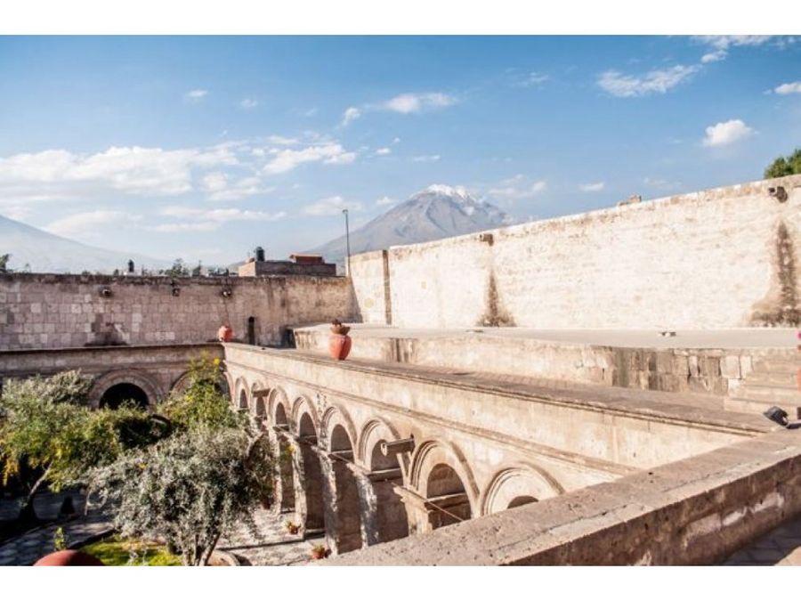 hermoso monumento historico de arequipa peru