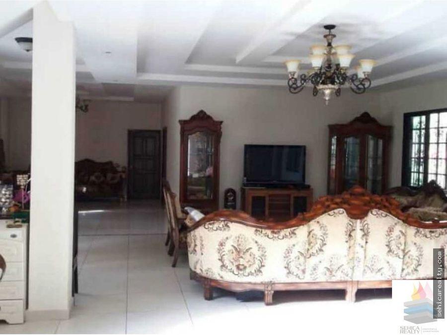 hermosa casa ubicada en los llanos de curundu
