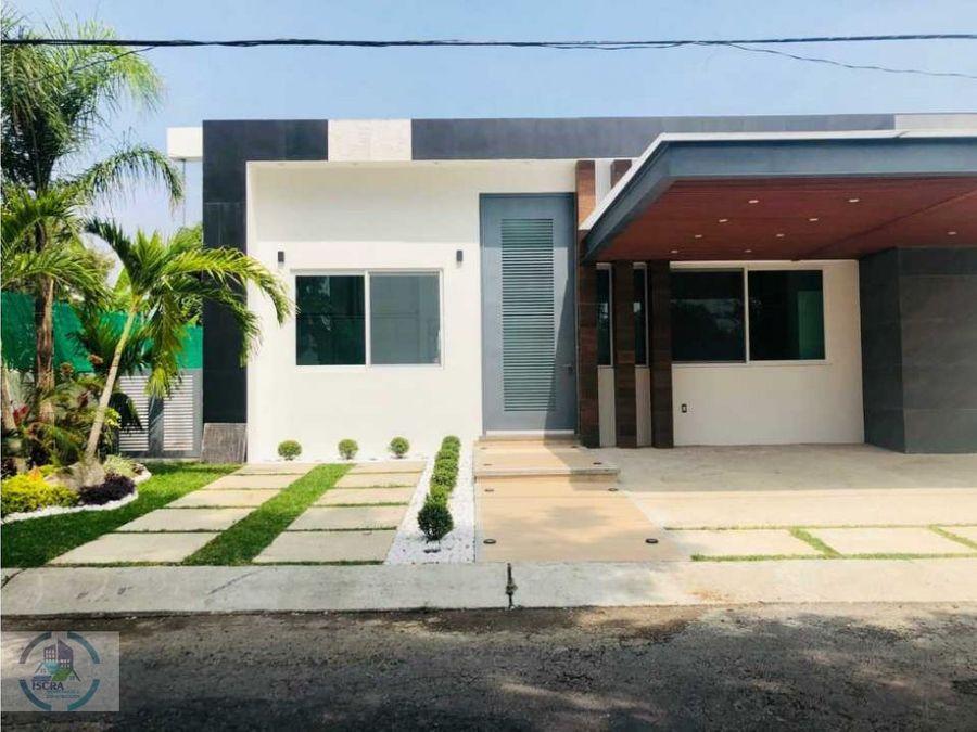hermosa casa amplia con buena iluminacion