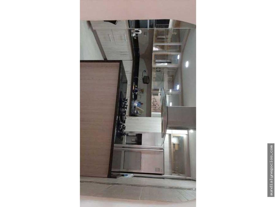 hermosa casa amplia de tres pisos 01