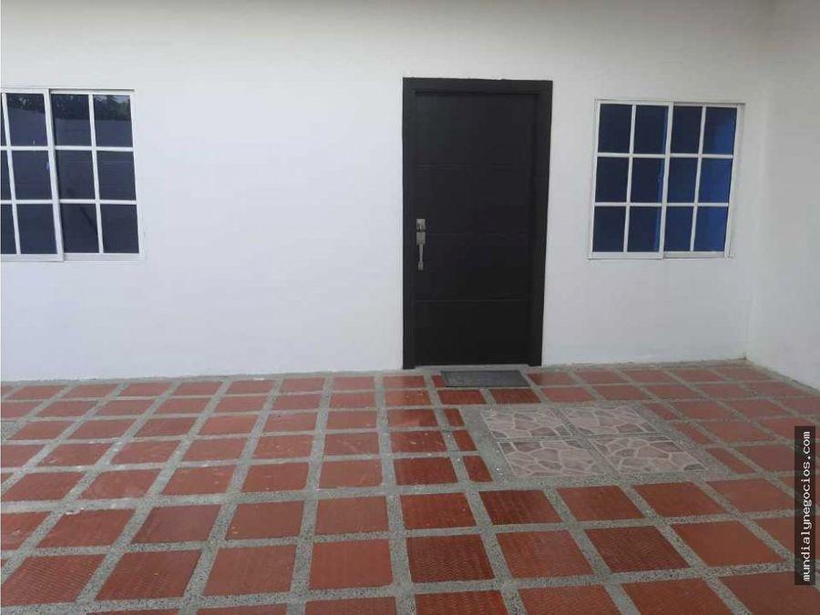 hermosa casa de dos pisos amplia en puerto colombia cerca al mar