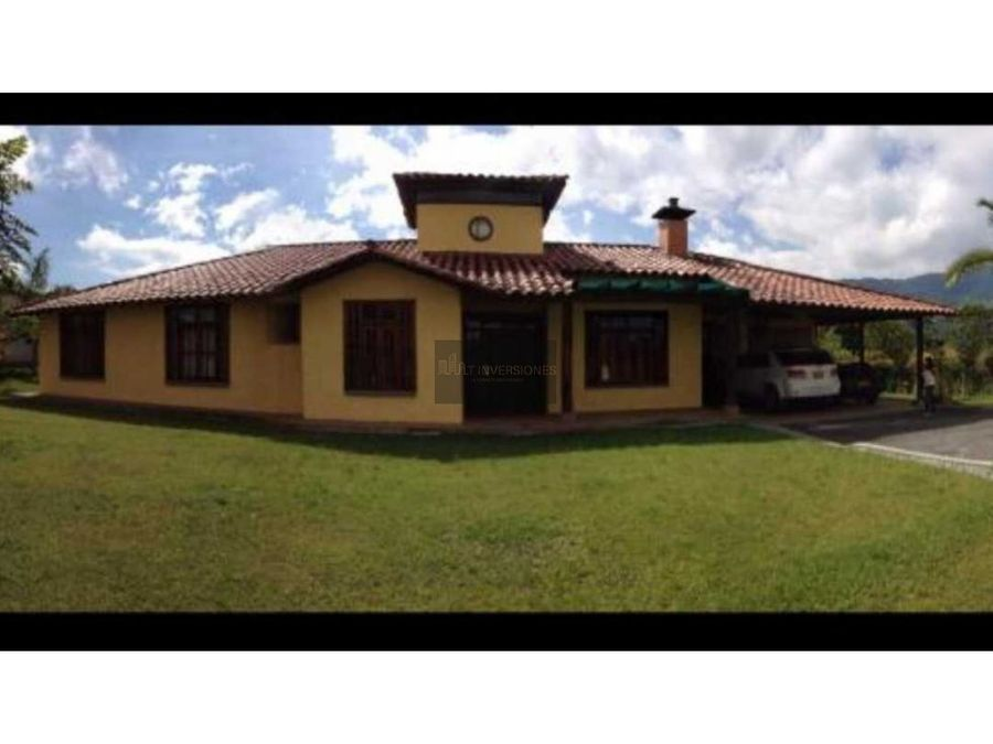 hermosa casa campestres av centenario armenia quindio