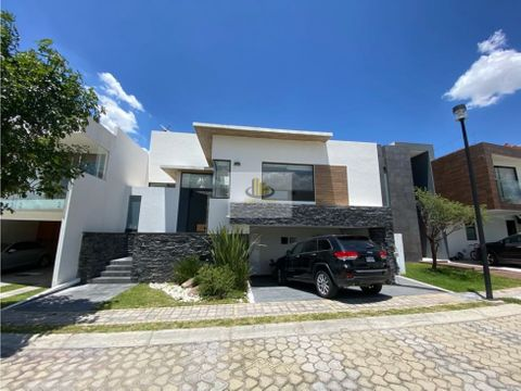 hermosa casa con amplio jardin en venta parque san luis potosi