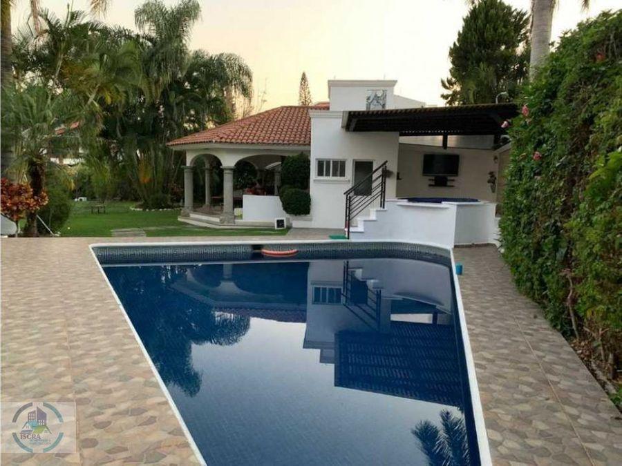 hermosa casa con buenos m2