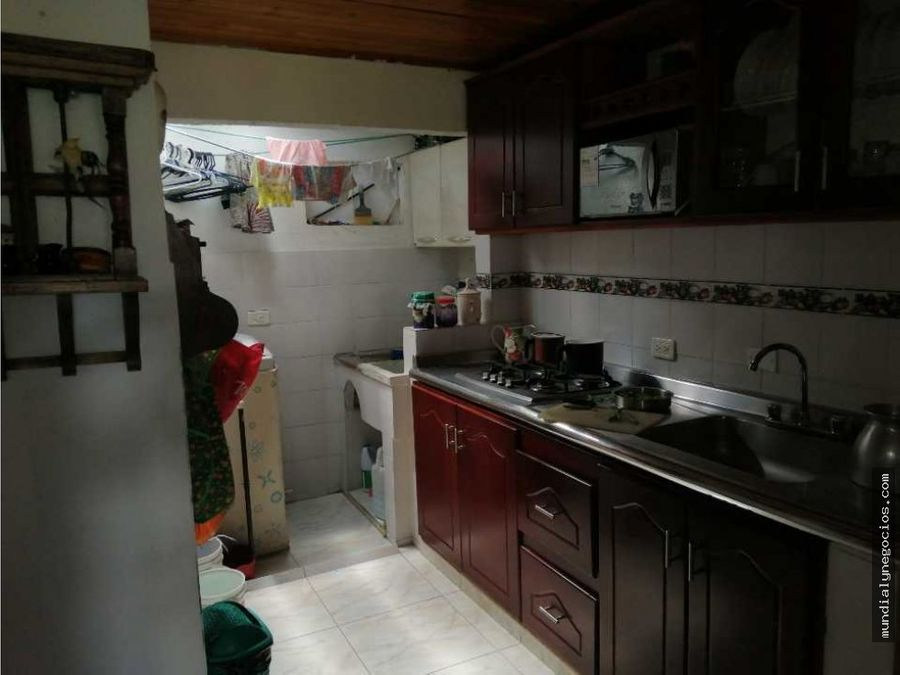 hermosa casa dividida en tres espectaculares apartamentos 01