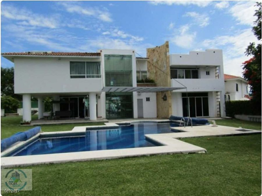 hermosa casa en 2 niveles