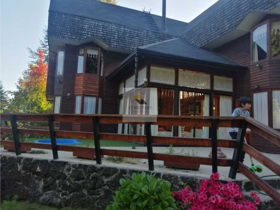hermosa casa en terreno de 1800 metros caburga