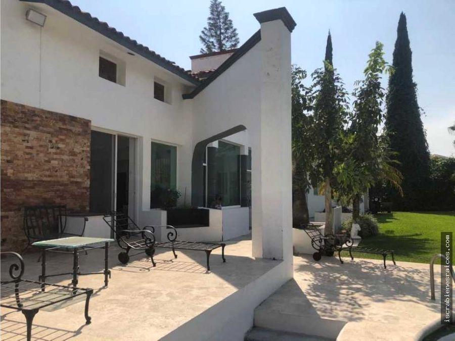 hermosa casa en venta en lomas de cocoyoc