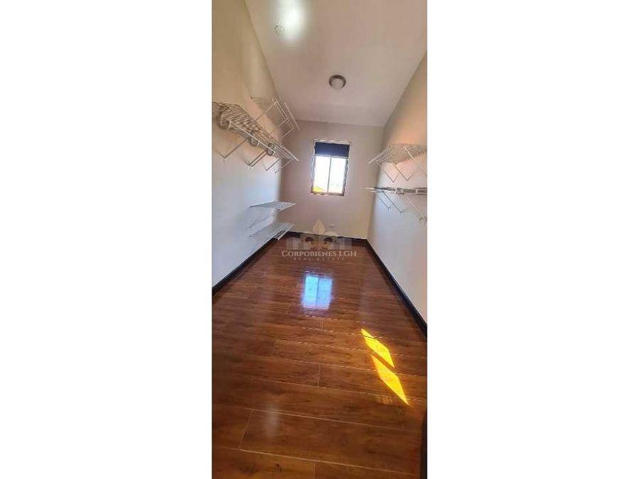 hermosa casa en condominio privado en santa ana