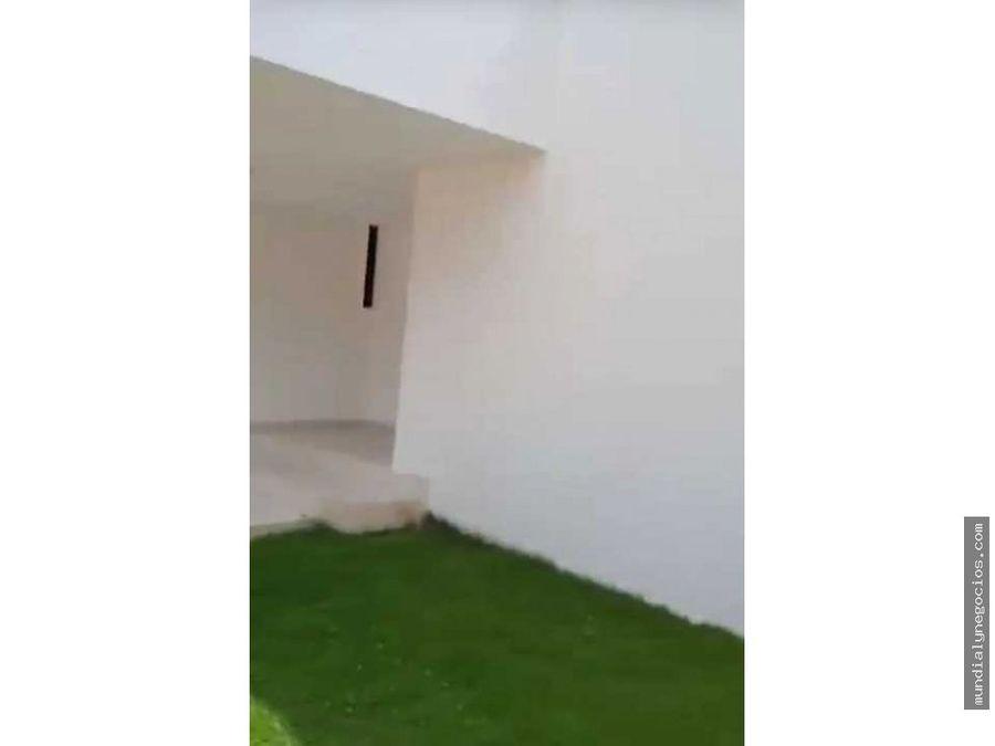 hermosa casa grande en novalito de esquina02