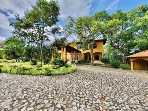 hermosa propiedad para alquiler