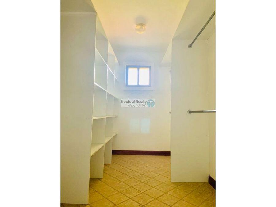 hermosa casa para alquiler en condominio en san antonio de escazu
