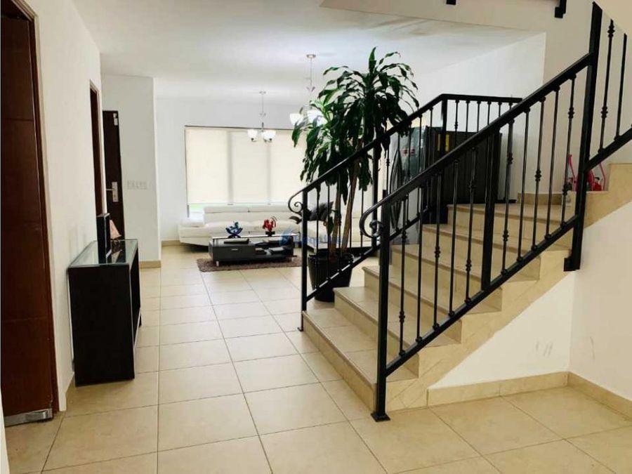 hermosa casa remodelada ph embassy club