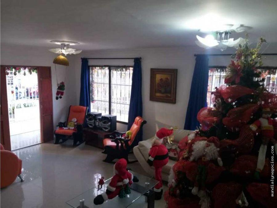 hermosa casa recien remodelada santa marta 001