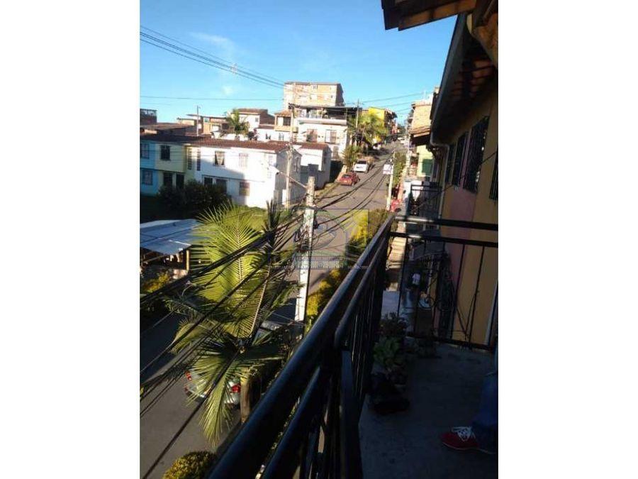 hermosa apartamento de tercer piso en marinilla barrio la alameda