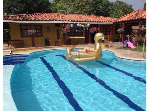 hermosa finca 24 hectarias con piscina monteria