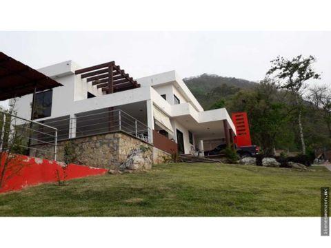 hermosa mansion 2000 metros tuxtla alberca