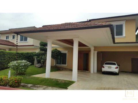 hermosa y segura residencia con linea blanca
