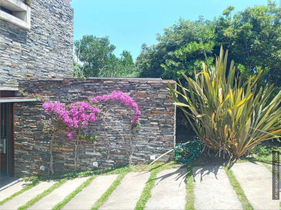 importante casa en punta piedras