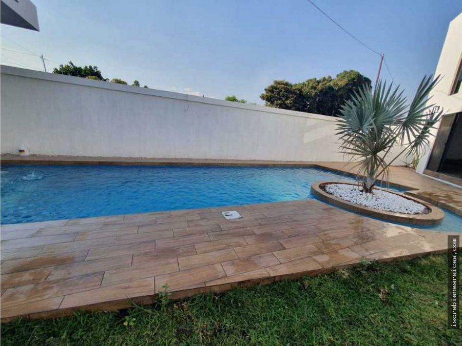 impecable propiedad en jardines de tlayacapan