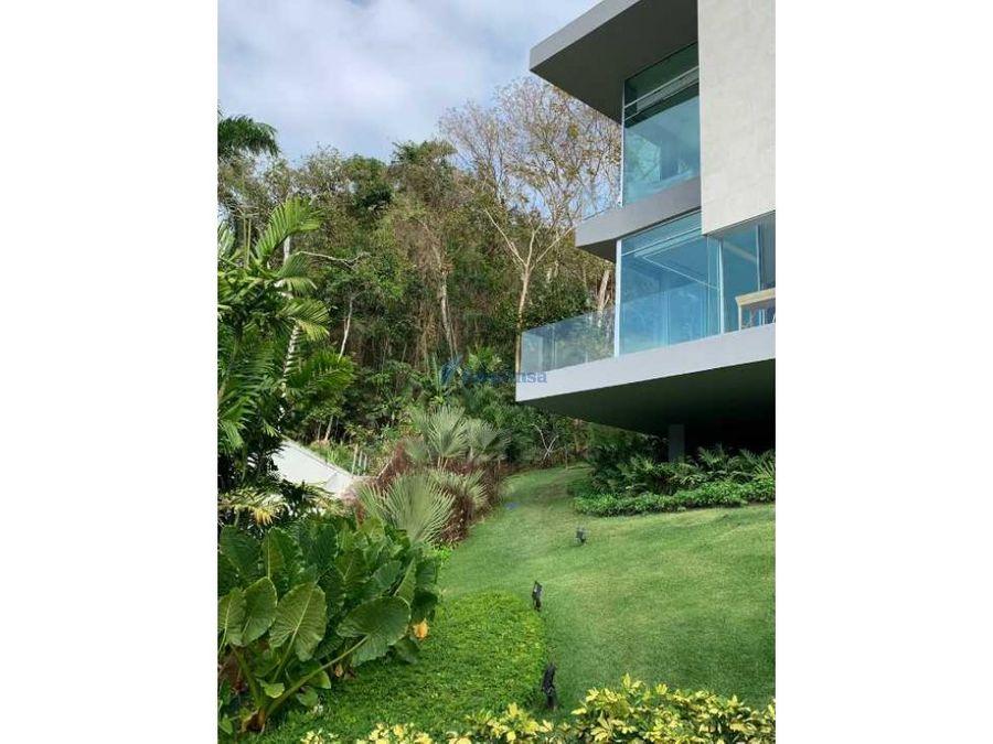 la villa exclusividad y confort inmerso en la naturaleza