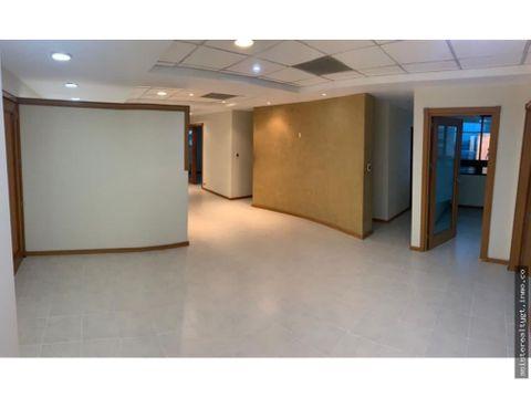 linda oficina 340 mts2 edificio topacio azul zona 10