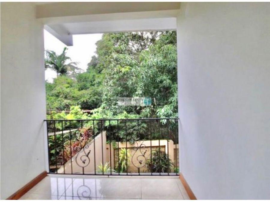 linda casa independiente en alquiler ubicada en rio oro de santa ana
