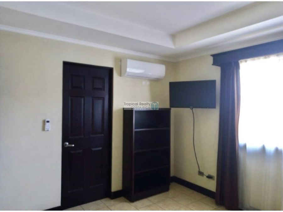 casa para alquiler en condominio ubicada en pozos de santa ana
