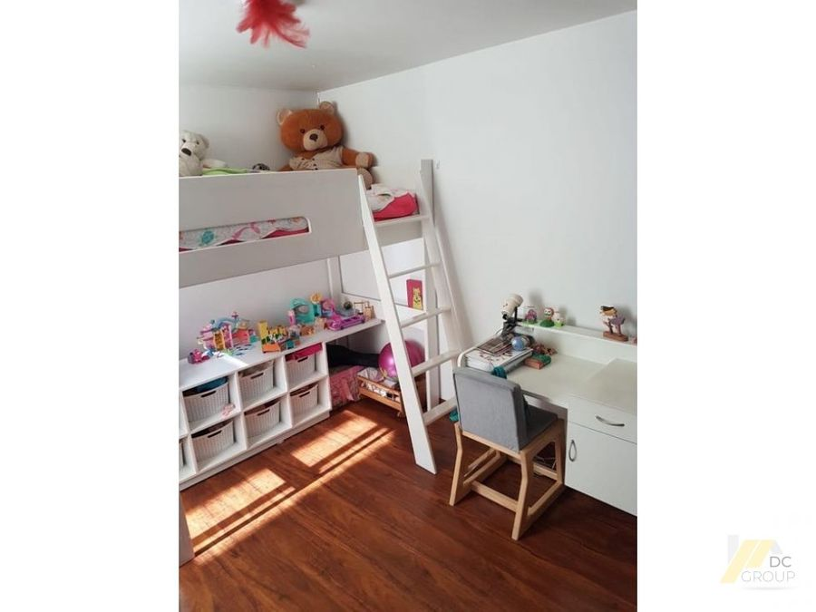lindo apartamento remodelado iluminado excelente ubicacion