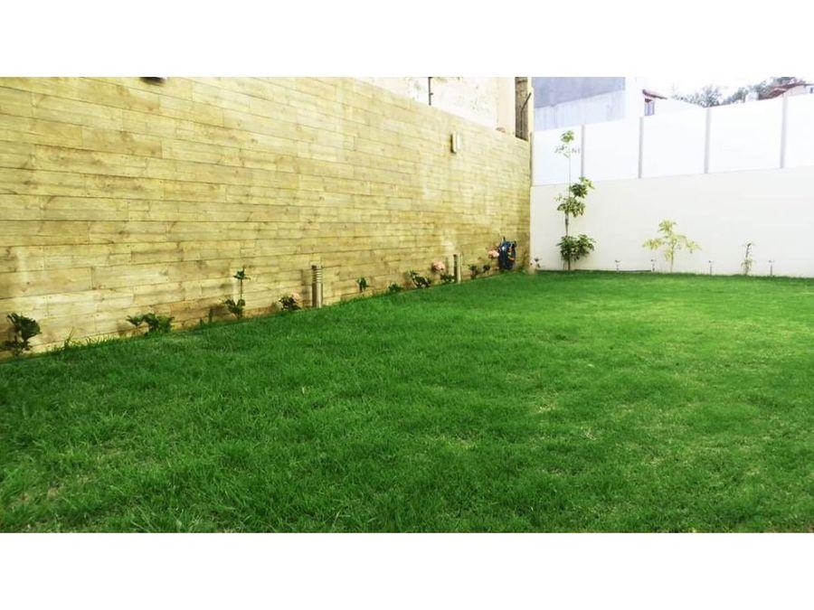 venta lindo departamento con jardin en yanahuara