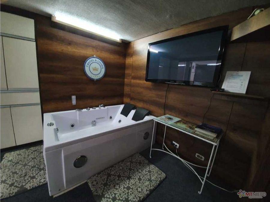 local apartasuite 42 m2 la castellana