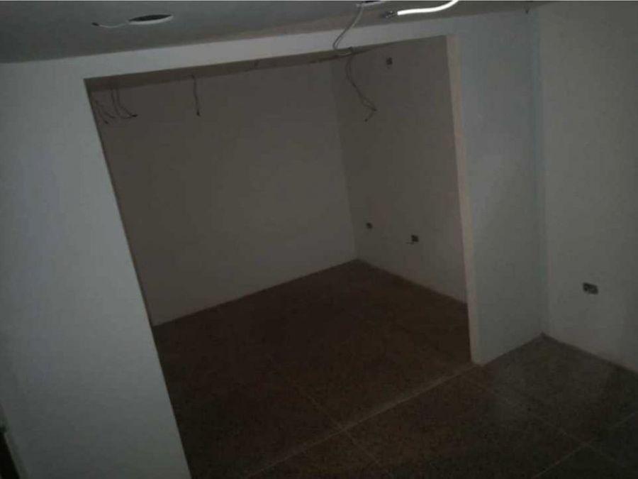 local en alquiler o venta cc barquicenter piso 1