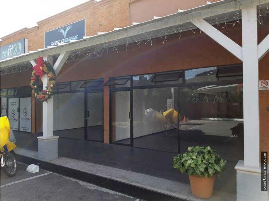 local plaza 20 calle renta zona 10 1