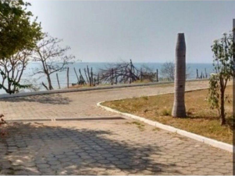 se vende lote 527 mt2 en risco frente al mar en santa marta
