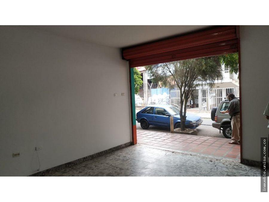 p2411 local en el barrio caldas