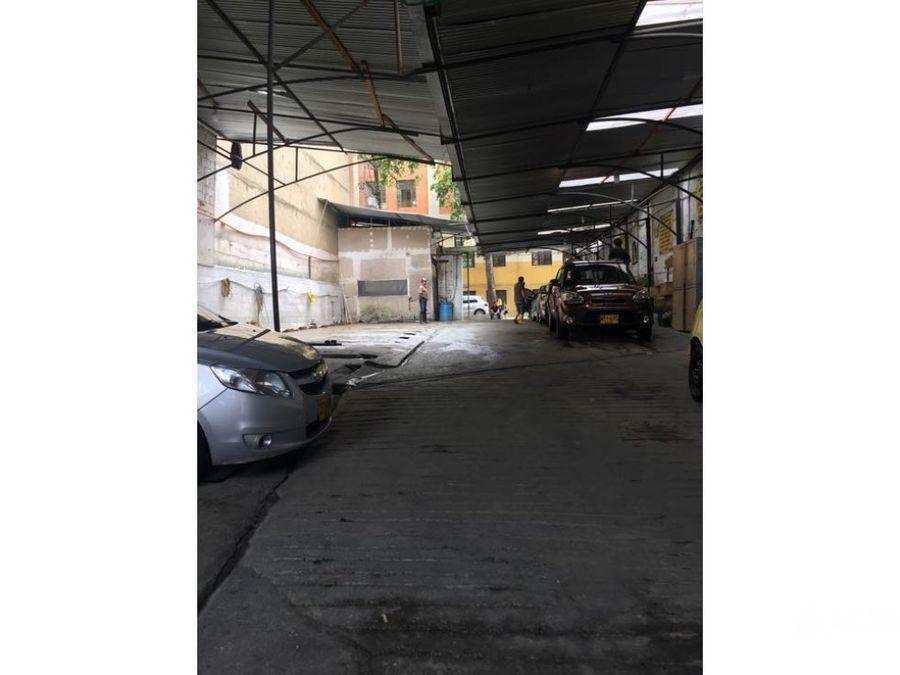 parqueadero y lavadero de carros en el mejor lugar del centro