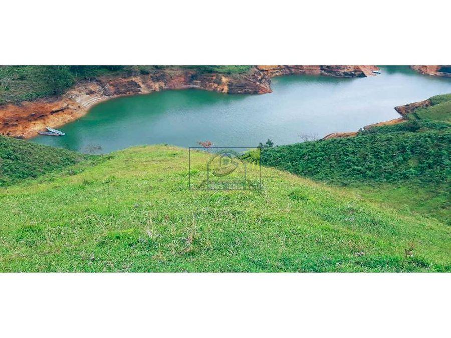 peninsula en el penol ant con embalse constante y excelente vista