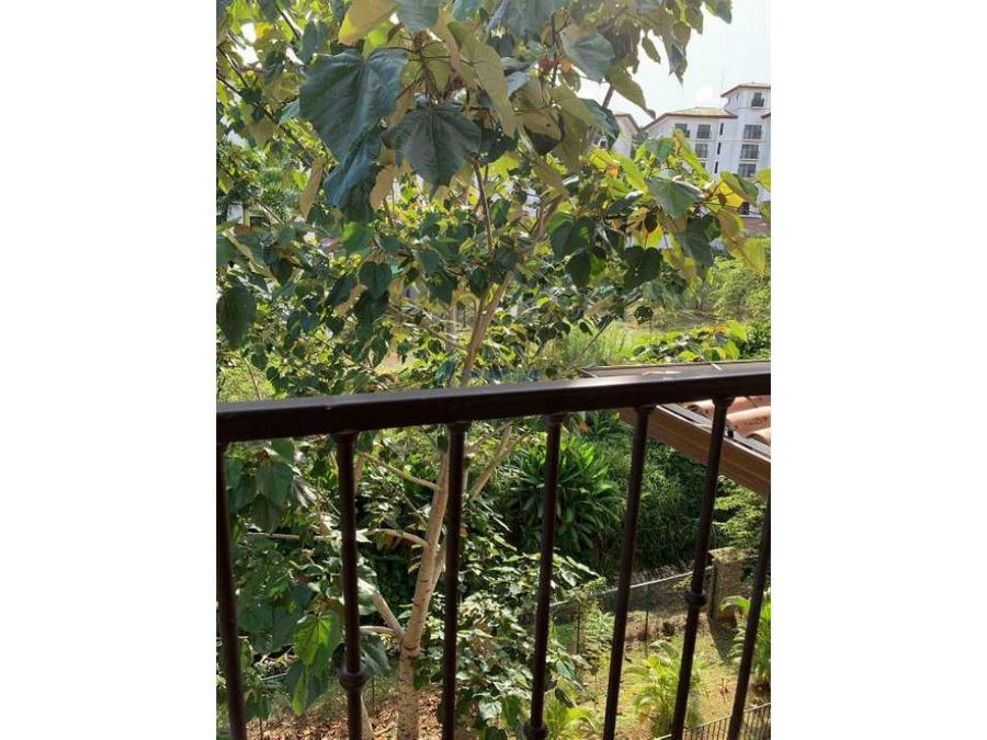 ph embassy club penthouse con exclusivos acabados
