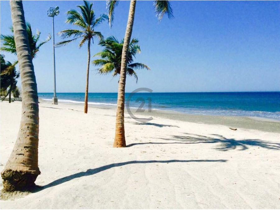 se vende ph 360o frente al mar playa salguero santa marta