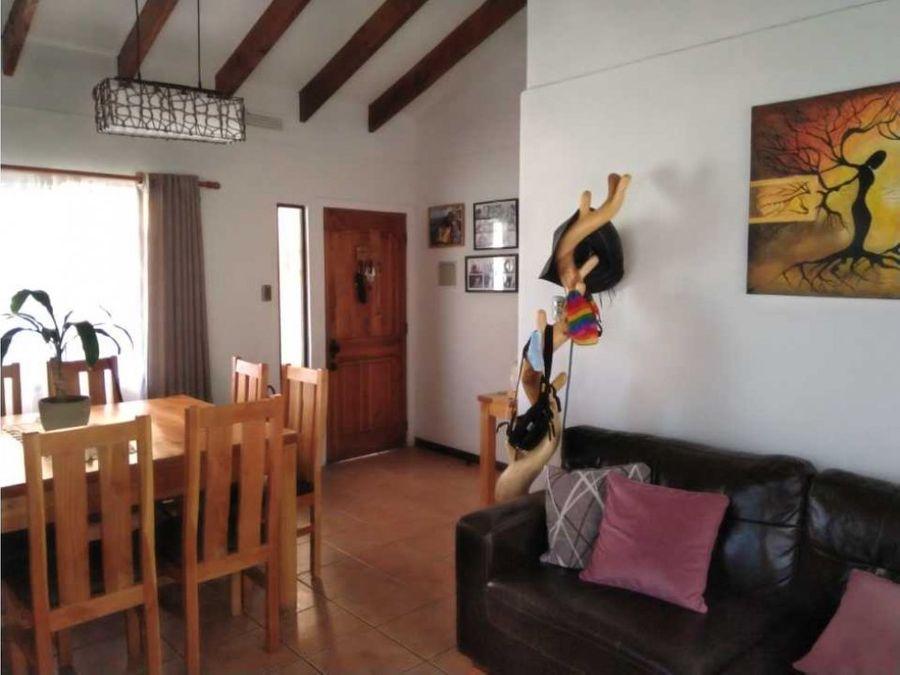 phb vende linda casa aislada en condominio alto la cruz ii