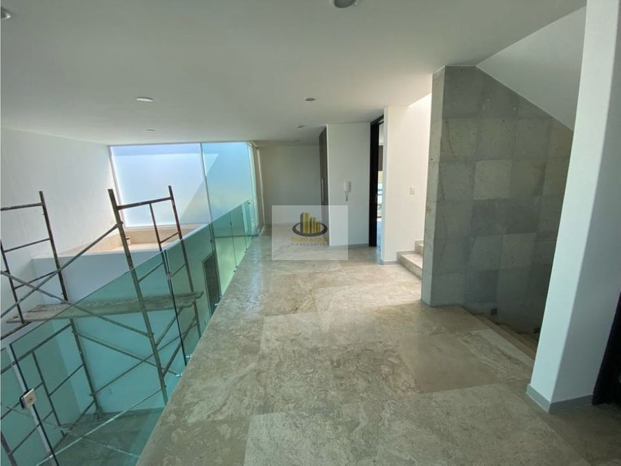 preciosa y amplia casa en renta 3 o 4 recamaras lomas angelopolis 1