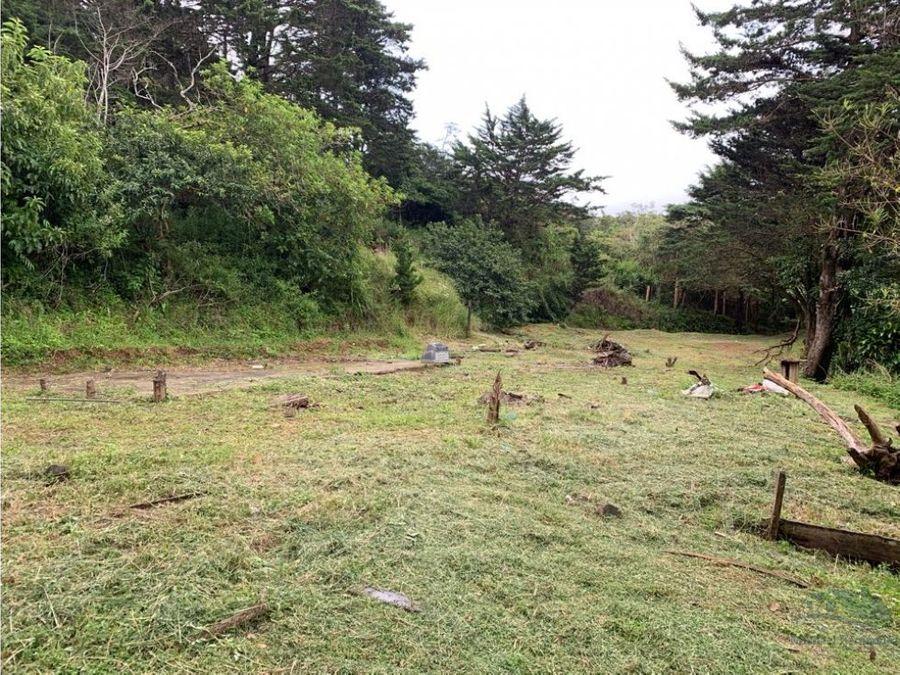 propiedad ubicada en el centro de monteverde