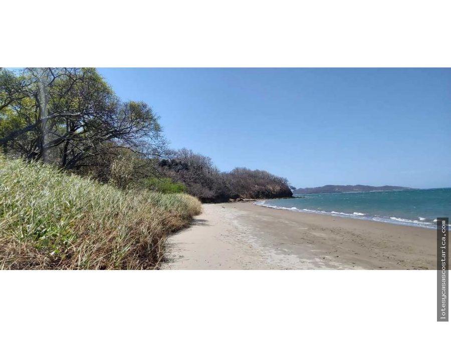 propiedad de playa en bahia salinas frente al mar