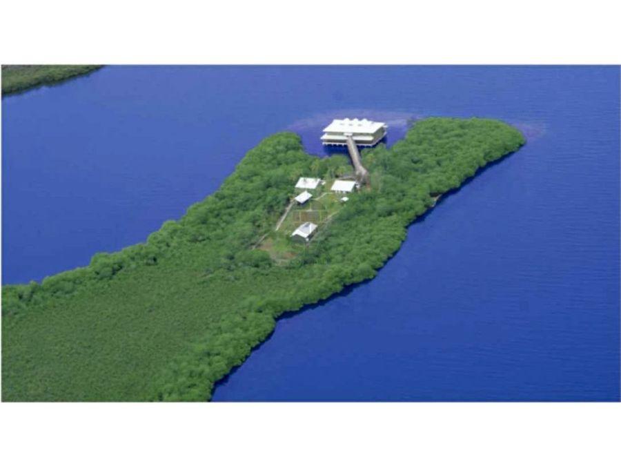 remato hotel en isla y terreno en bocas del toro