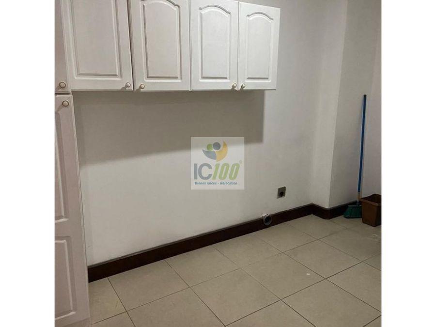 renta apartamento oakland zona 10 guatemala