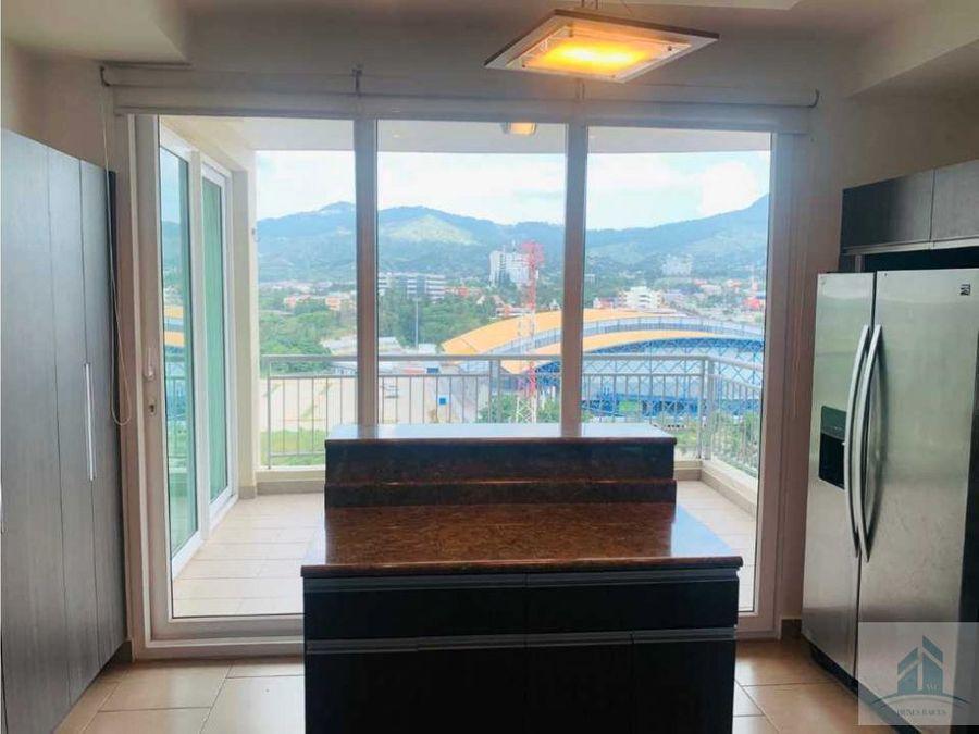 renta y venta de penthouse green tower