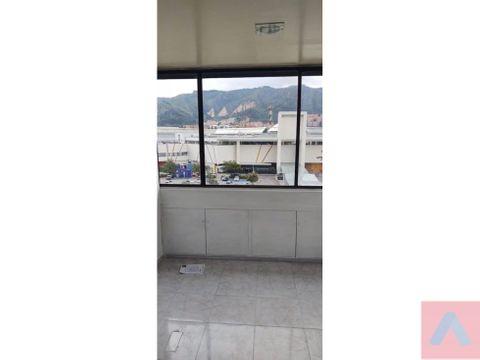 rento oficina frente unicentro edf jorge baron 28 m2