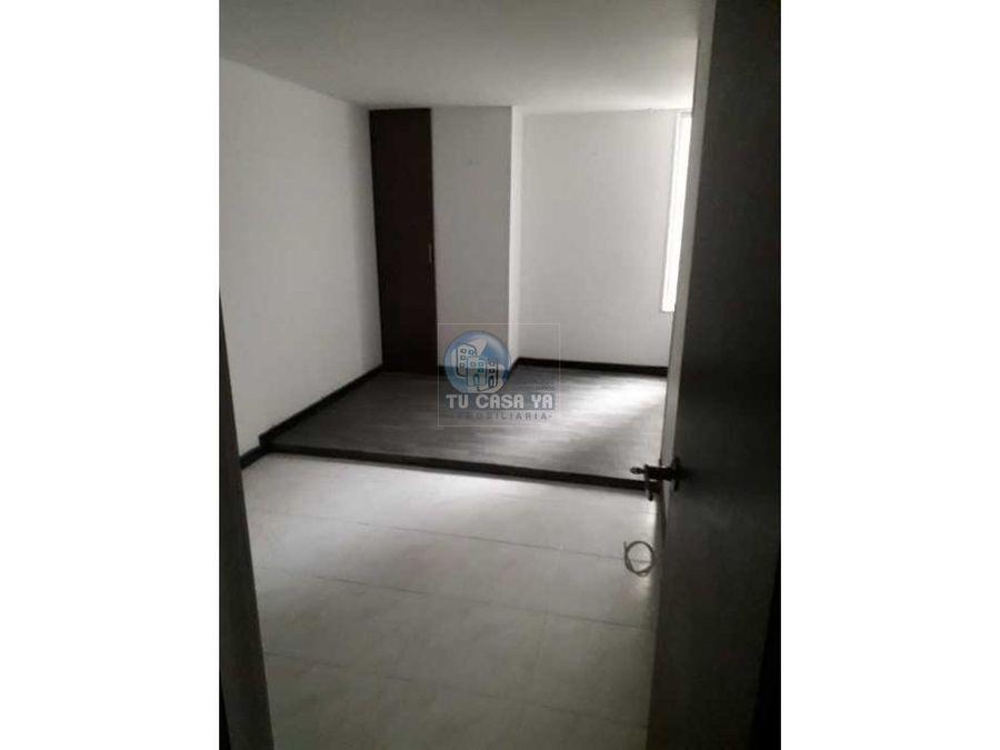 rento apartamento en el centro parqueadero cubierto