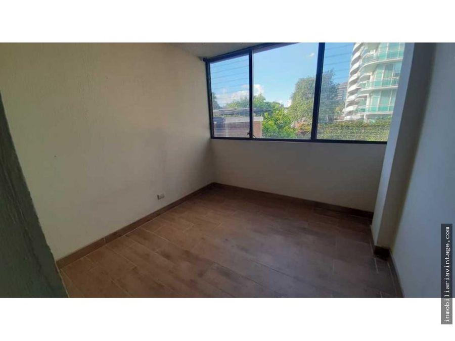 rento apartamento en edificio zona 14