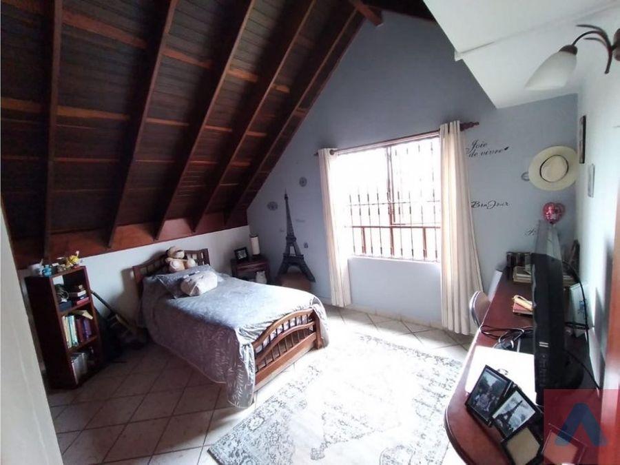 vendo casa cota cundinamarca 179m2 terreno 800 m2
